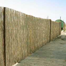 Рулонный забор из тростника