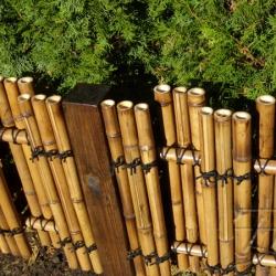 Декоративный заборчик из бамбука